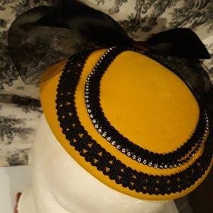 Vintage 1940's Felt Fascinator Hat